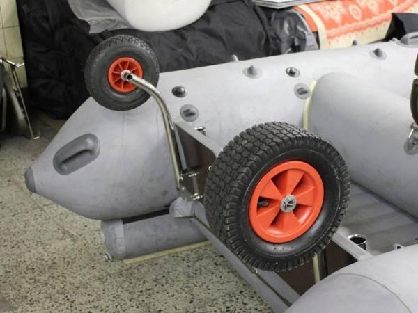 Транцевые колёса для лодок из ПВХ